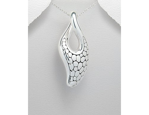 Chic Sterling Silver Necklace