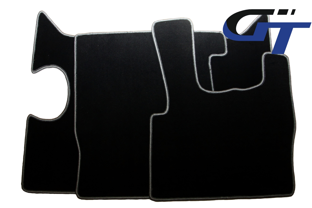 Engine cover and floor mats for DAF XF105
