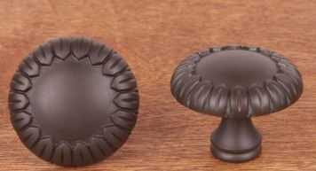 RK INTERNATIONAL - LARGE PETALS KNOB - RB - OIL RUBBED BRONZE