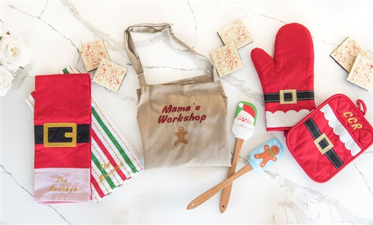 Christy Carlson Romano's Yummy Collection - Adult's Ultimate Christmas Kitchen Set