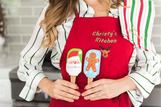 Christy Carlson Romano's Yummy Collection - Christmas Spatulas