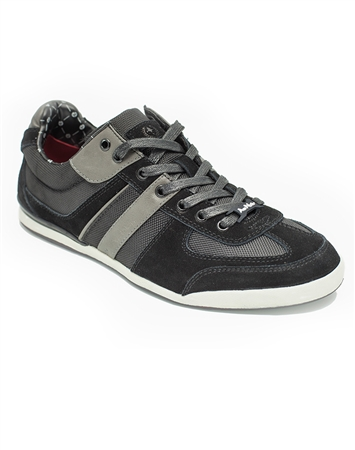 European Fashion Sneakers in Black