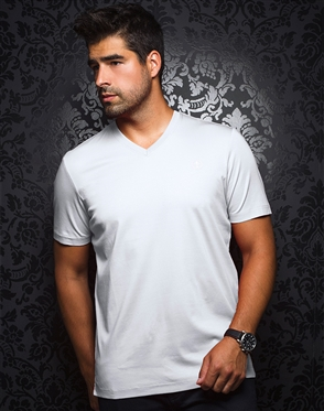 Sporty V-Neck Shirt - White T-Shirt