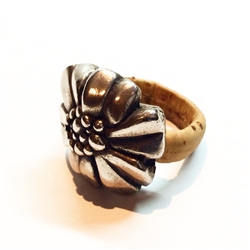 Cork Ring With Big Flower