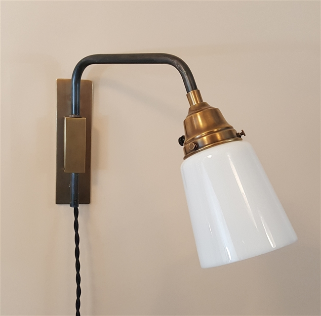 Reproduction Mid Century Swing Arm Light