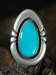 STUNNING KENNETH BEGAY BISBEE TURQUOISE RING