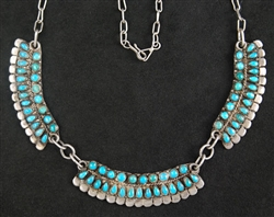 BEAUTIFUL ZUNI PETIT POINT TURQUOISE NECKLACE