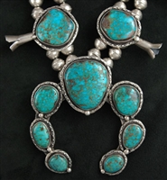 BEAUTIFUL 1970's TURQUOISE MOUNTAIN SQUASH BLOSSOM