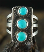 BEAUTIFUL VINTAGE BLUE GEM TURQUOISE RING