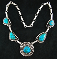 LOVELY MORENCI TURQUOISE LINK NECKLACE