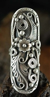 BEAUTIFULLY HAND CRAFTED NAVAJO SILVER RING