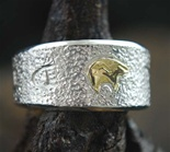 AL JOE SILVER AND GOLD HEARTLINE BEAR RING