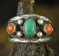 BEAUTIFUL VINTAGE TURQUOISE & CORAL RING