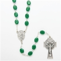 ST. PATRICK ROSARY WITH GREEN VELVET BOX