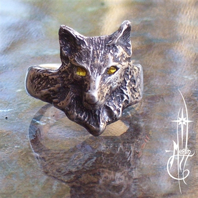 The Watchful Wolf Ring