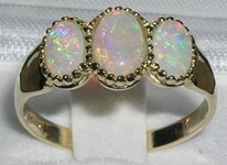Glorious 9K Yellow Gold Australian Opal Trilogy Ring