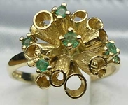 Stunning 9K Yellow Gold Tubular Design Emerald Ring