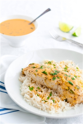 Mahi mahi with Thai coconut curry sauce