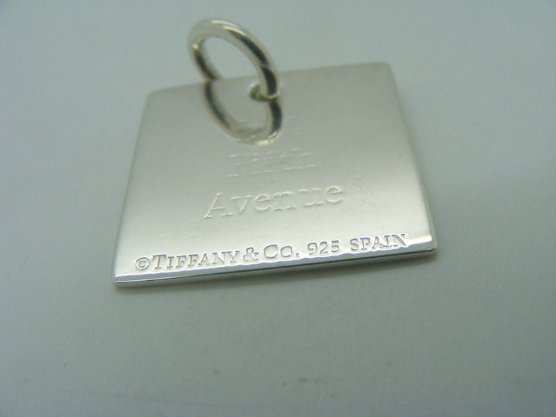901a5f101 Pre-Owned Tiffany & Co.Silver Dog Tag Pendant