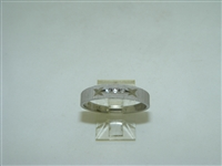 14k White Gold Single Diamond wedding band
