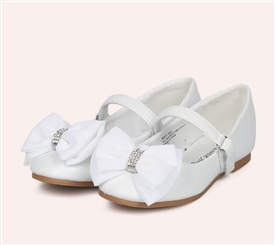 Claire Girls Flat Shoes - WHITE