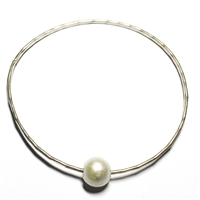 Mahalo Freshwater Pearl Silver Bangle White by Wendy Mignot