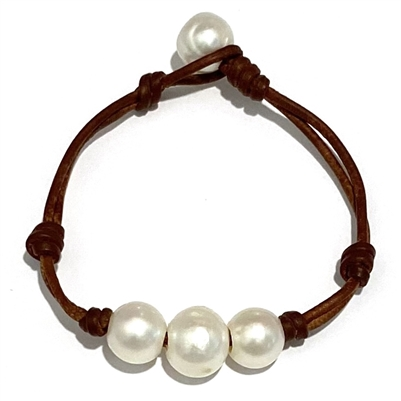 Wendy Mignot Daisy Three Pearl Freshwater Bracelet
