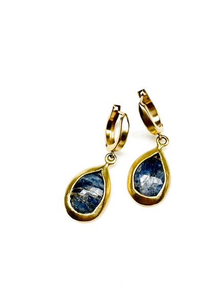 Custom 18k Gold Sapphire Earrings by Janesko