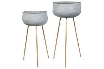 UTC26523 Metal Round Planter with Speckled Design Body and Copper Tripod Stand Set of Two Matte Finish Gray