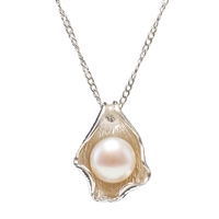 Sterling Silver Oyster Pendant with White Cultured Freshwater Pearl