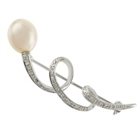 9ct White Gold Diamond & Cultured Akoya Pearl Fancy Brooch