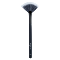 Ben Nye Medium Fan Brush