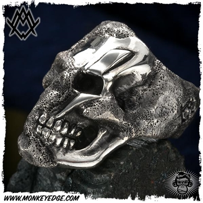 Ace Metal Works Ring: Ace Rough Cut Bolt Skull Large - Silver Textured