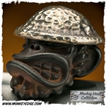 Starlingear Bead: Doughboy Monkey Iron w/Texture Silver Helmet