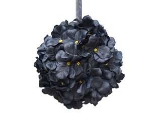 4 x MAKES ME SMILE Kissing Balls - Black Hydrangeas