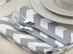 "Rental Chevron Dinner Napkin 20""x20"""