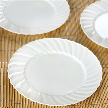 "12 Pack - Ivory 7.5"" Flaired Round Disposable Plate - Chambury Plastics"