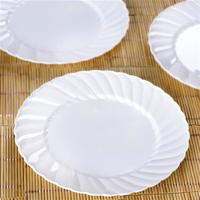 12 Pack - White 7.5  Flaired Round Disposable Plate - Chambury Plastics & Cheap Disposable Plates | Discounted Wedding Tableware
