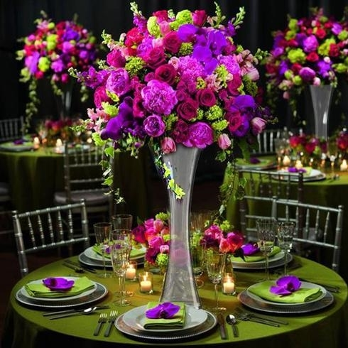 16 Clear Hourglass Shaped Floral Vase Party Decoration