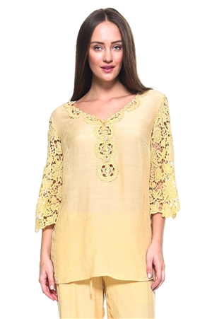 Wholesale Fashion Women's Crochet Accent 3/4 Sleeve V Neck Top -LAB-5300-A