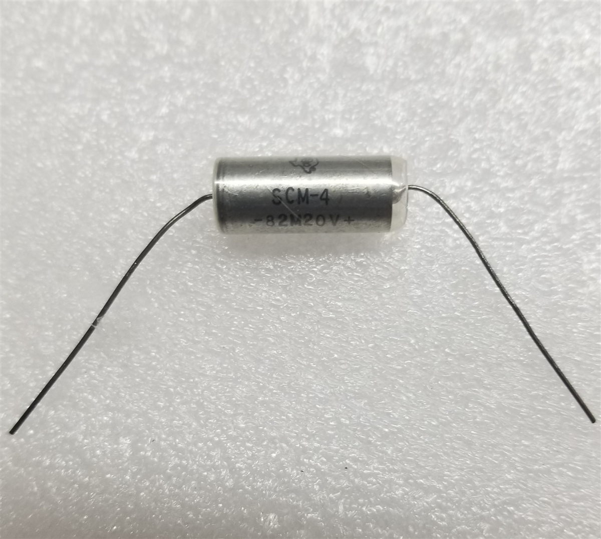 TI SCM-4 82uf 10V 20% Mil Spec Tantalum Capacitor NOS