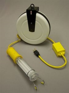 General Manufacturing SafTLite 3613-4000 Stubby II Fluorescent Light with 40' Cord and Reel