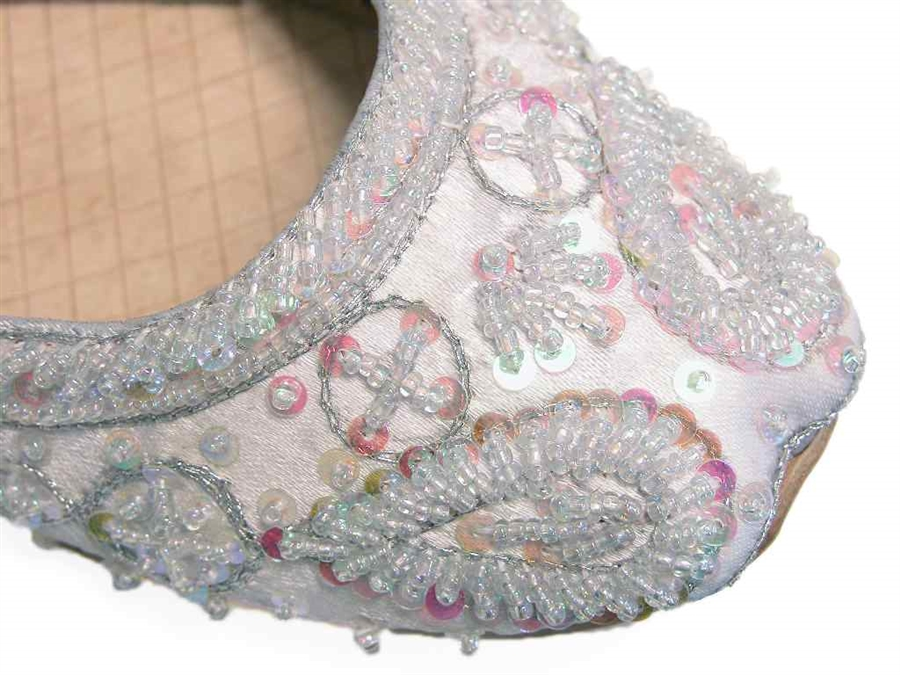 73c730c7291 Cool Silvery White Khussa Indian Wedding Bridal Flats Prom Quinceanera  Shoes 6