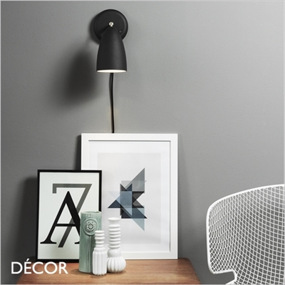 NEXUS 10 WALL LIGHT, BLACK