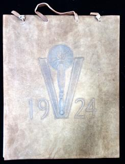 1924 Vassar Calendar with Leather Cover. ..1924