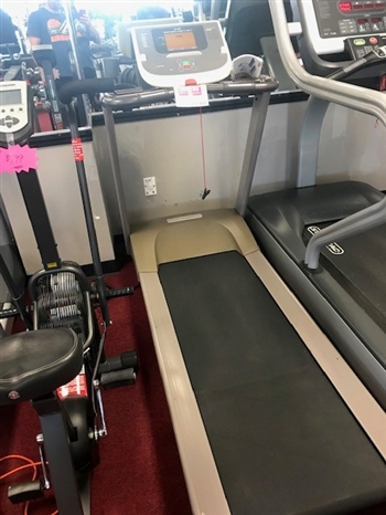 Pre owned Precor 9.23 Treadmill