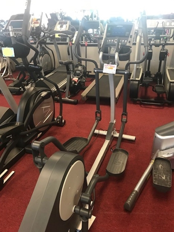 Pre Owned Life Fitness Elliptical