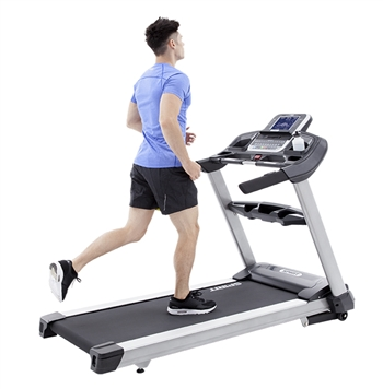 TOP RATED-  TWO  LEFT! Spirit XT 685 Treadmill (Commercial)