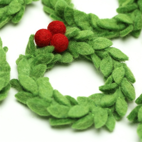 Mini Mistletoe Wreath