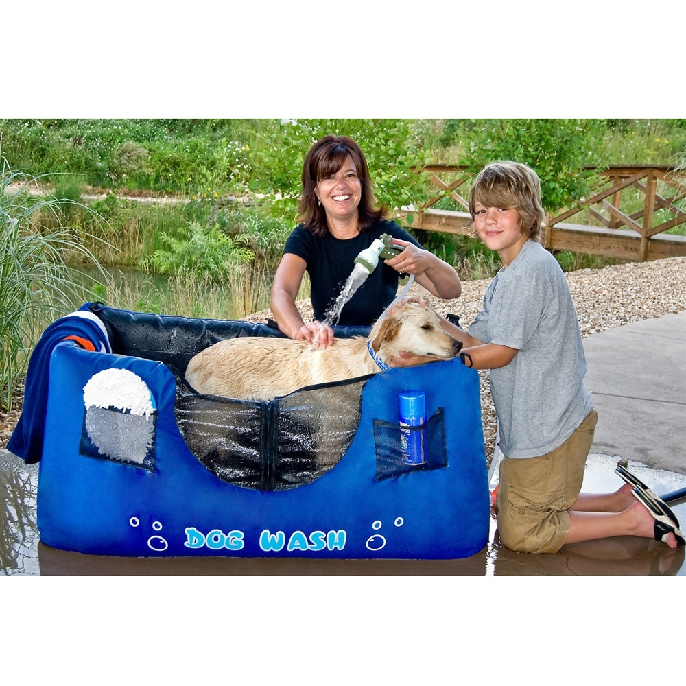 Maze Pets Portable and Inflatable Dog Bathing Station. Dog Bathing Table. Home Design Ideas